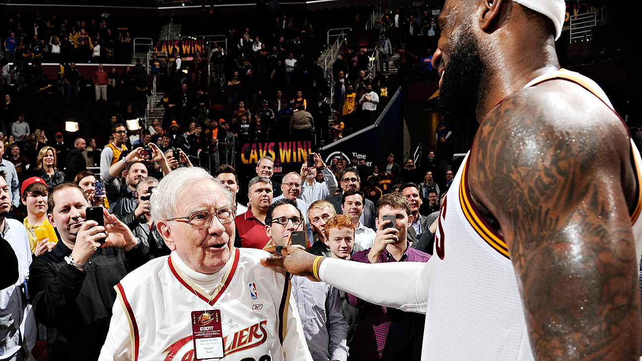LeBron James, Cleveland Cavaliers host Warren Buffett in latest tour stop