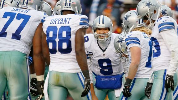 Tony Romo in the huddle