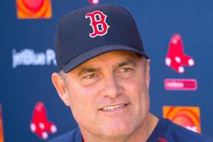 Red Sox extend John Farrell's deal