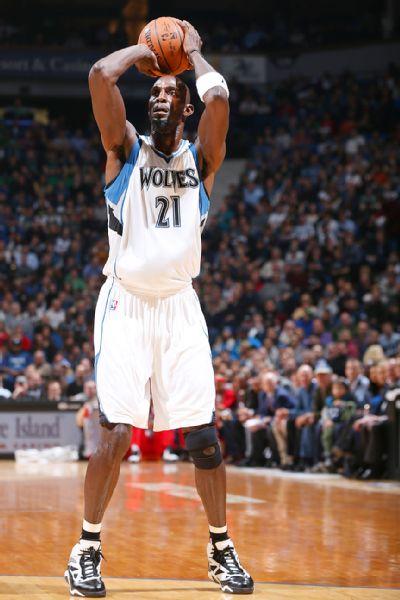 Timberwolves' Kevin Garnett, Clippers' Austin Rivers ...