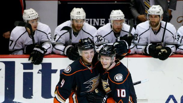 Anaheim Ducks defeat the Los Angeles Kings
