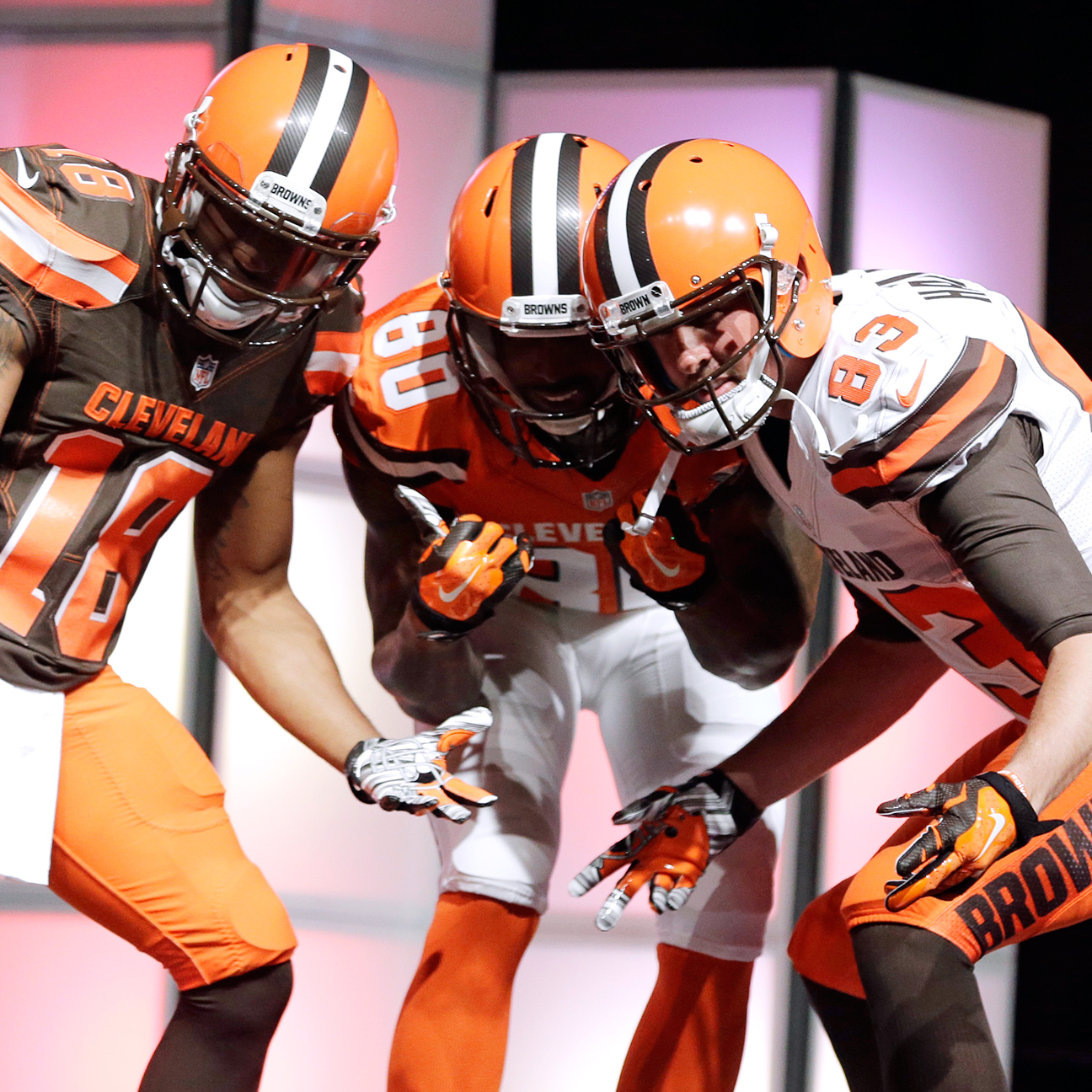 Uni Watch disses Browns' new look, still loves Steelers' old on…