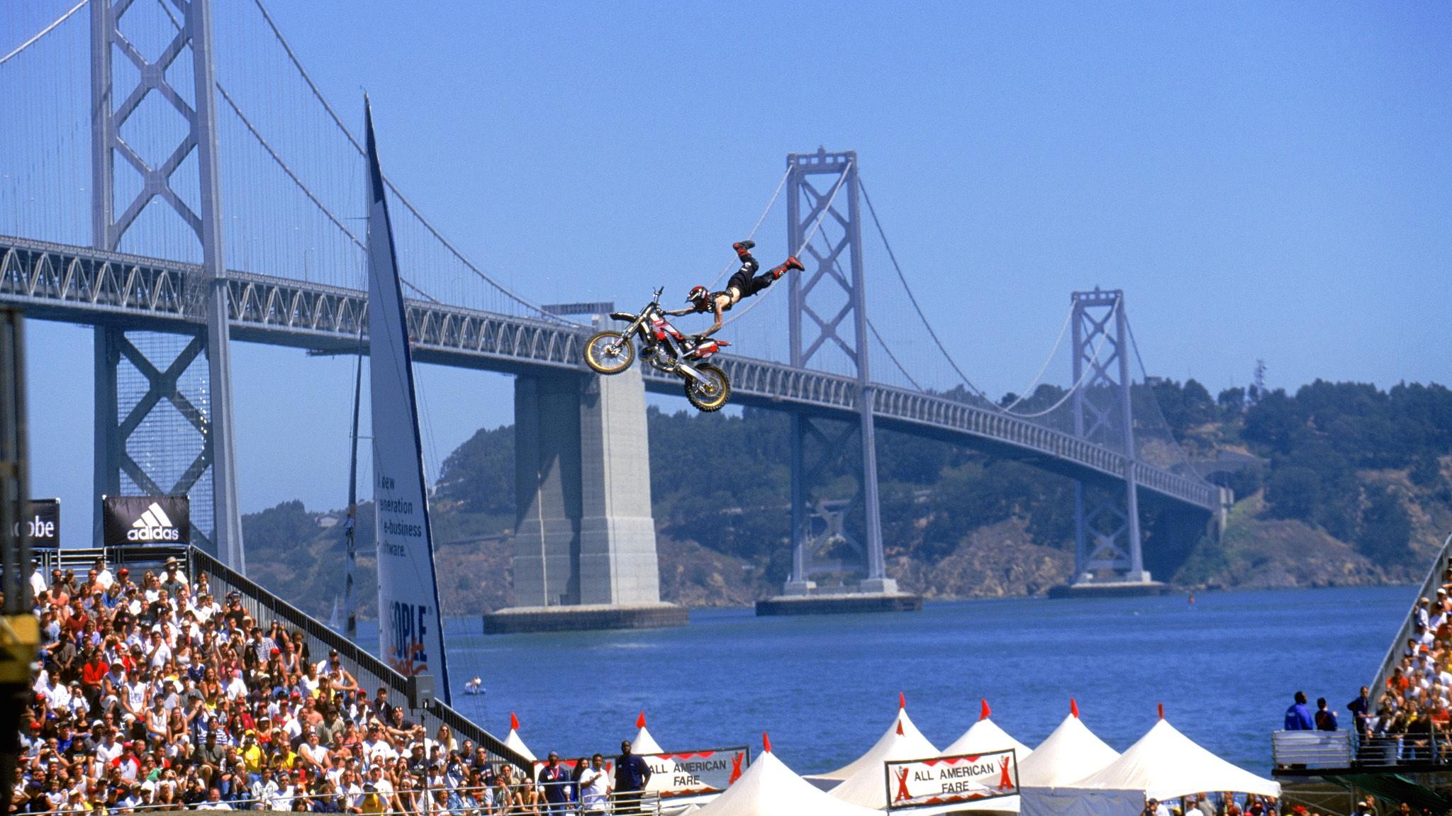 2000: San Francisco, California