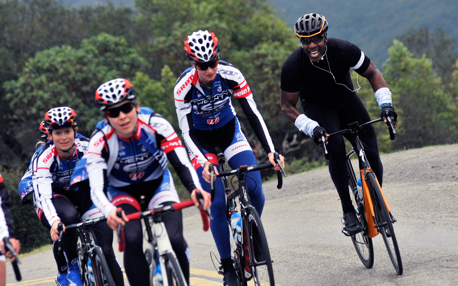 Barry Bonds uses money and resources to support women s cycling 601f7cf7b
