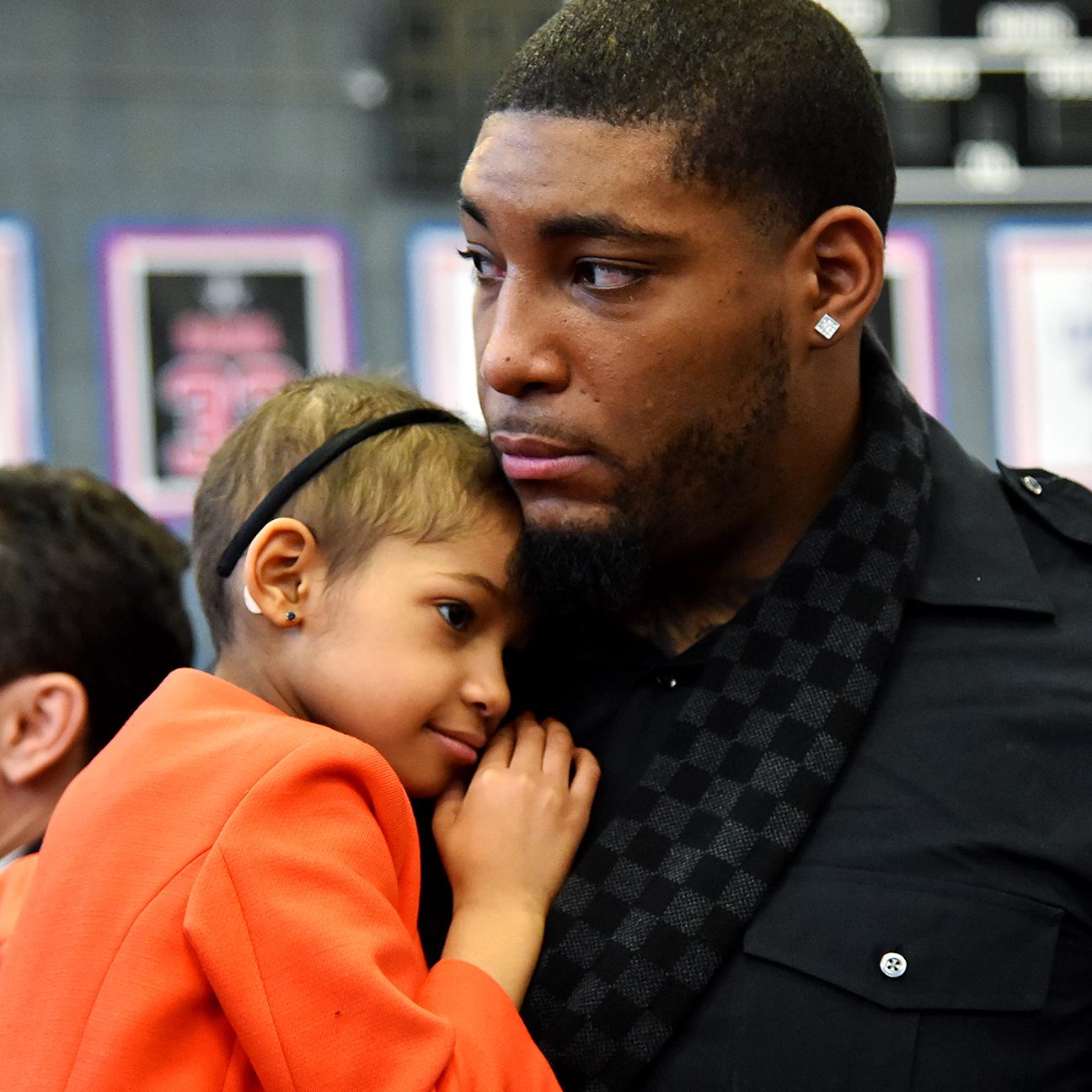 Devon Still, Leah Still share emotional goodbye before dad leav…