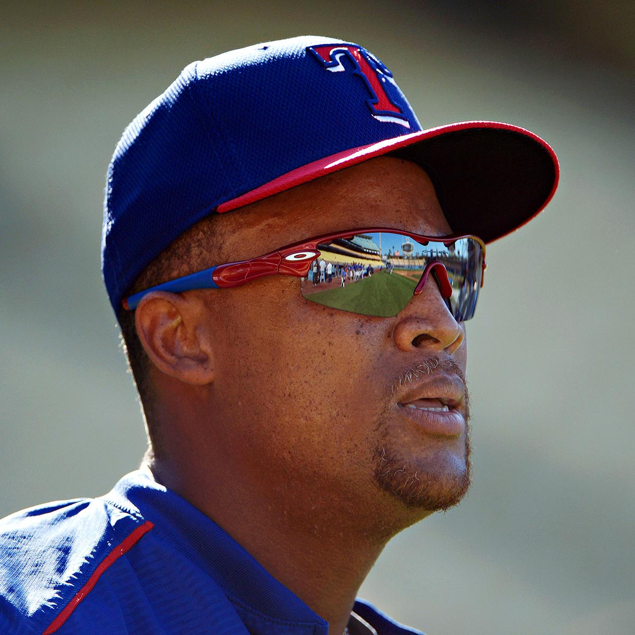 Rangers' Beltre skips workout to rest sore back