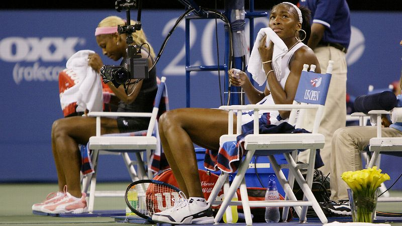 2002 US Open final, Serena wins 6-4, 6-3