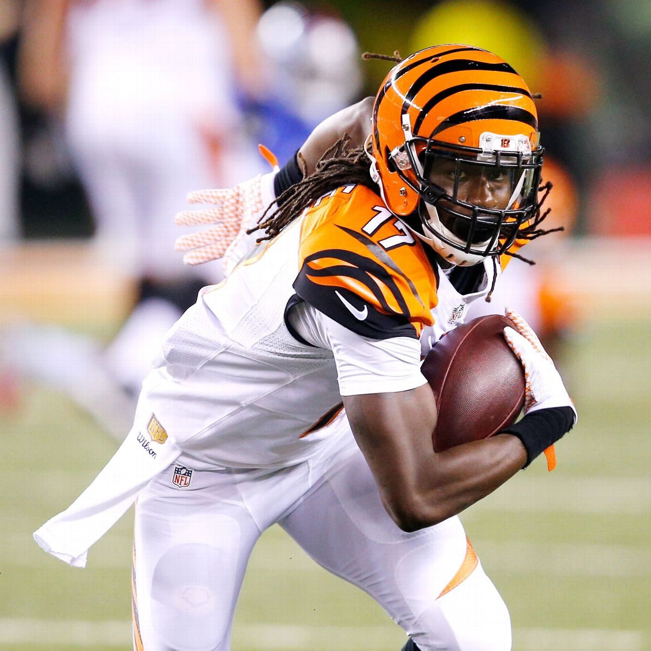 With hand in the ground, Chris Carter gives Bengals a new rush …