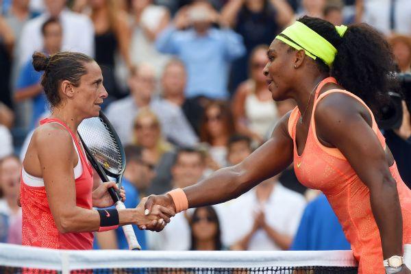 Serena Williams breaks grand slam record with Johanna Larsson win