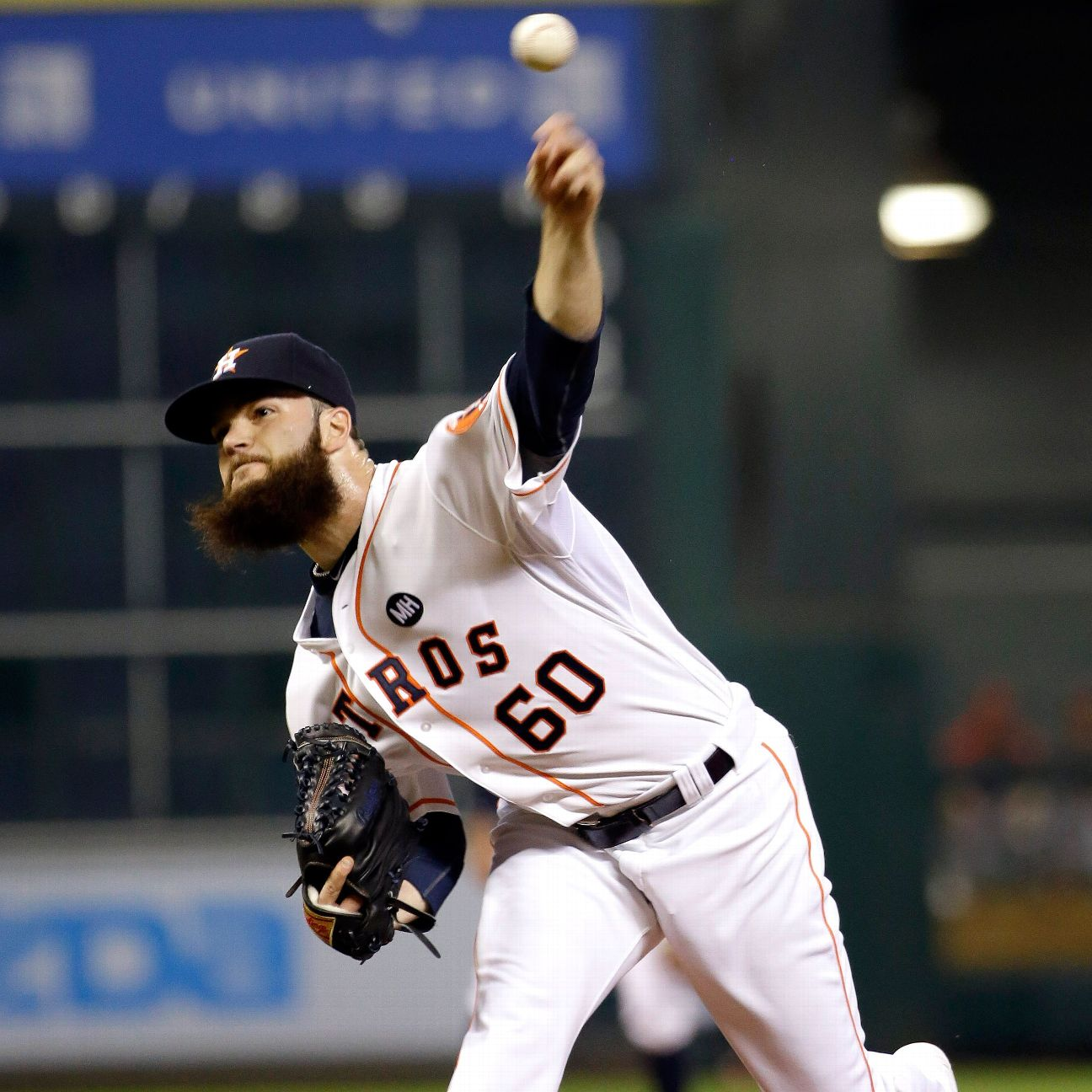 Monday's Top 5: Dallas Keuchel Remains Undefeated At Home