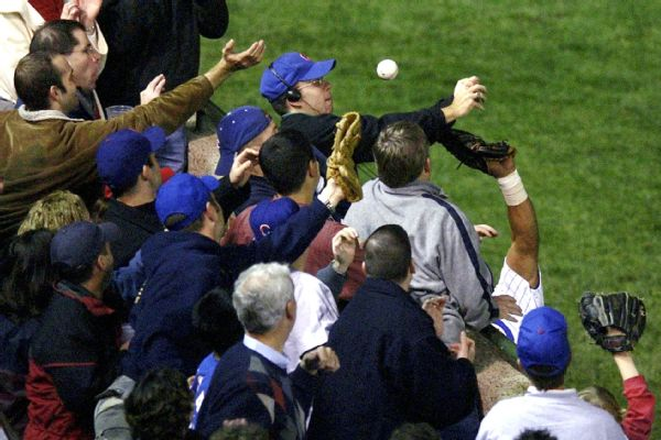 Cubs owner Tom Ricketts wants to make amends with Steve Bartman