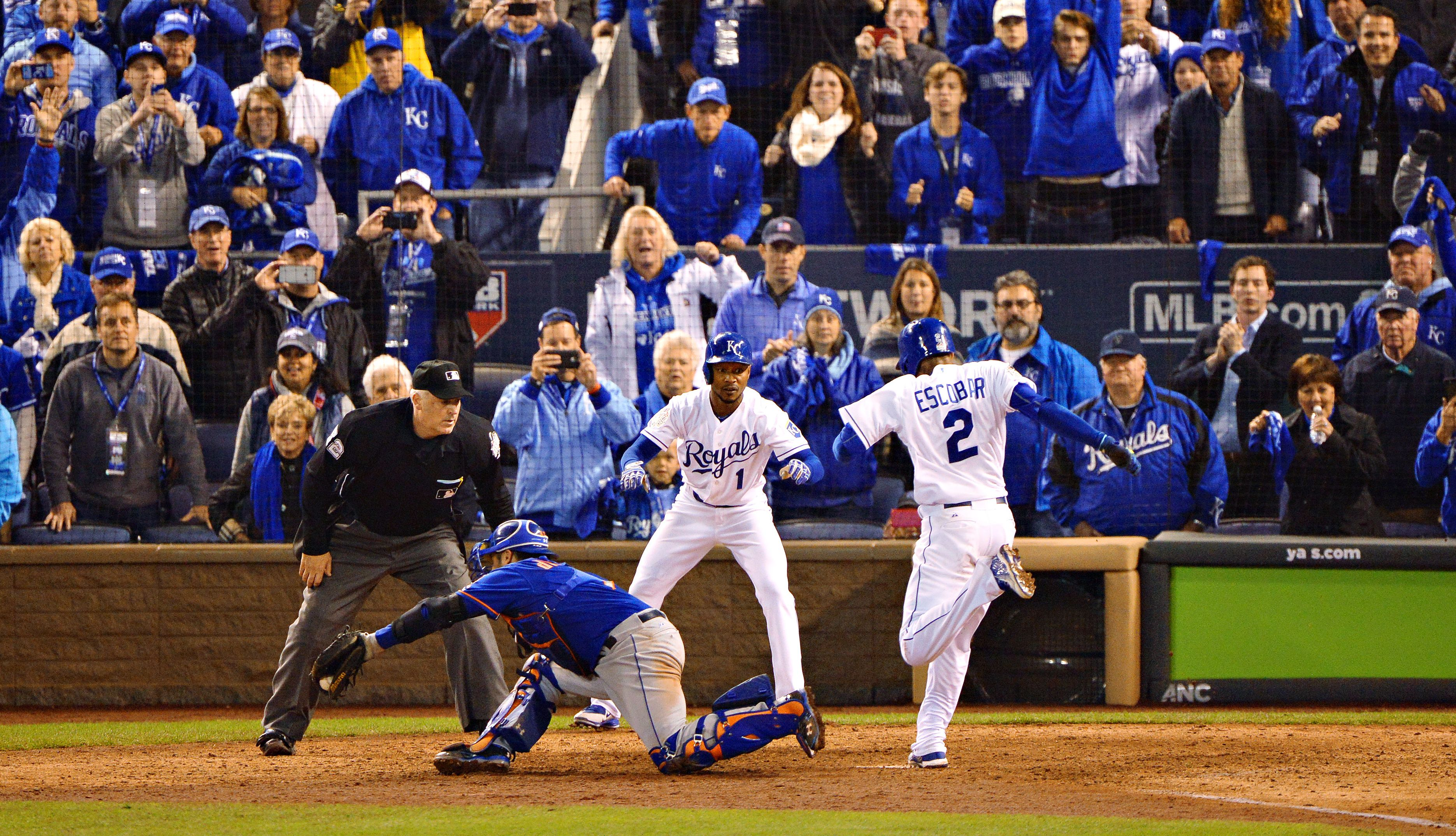 When are the 2018 College World Series finals?