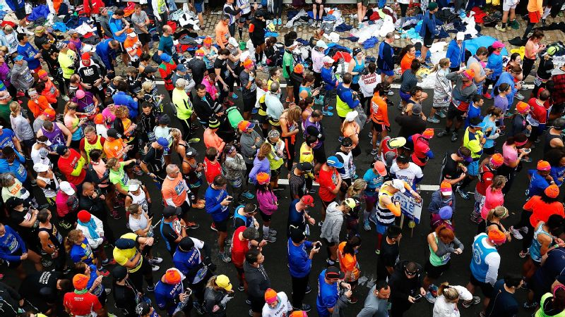 Runners wait at the starting line