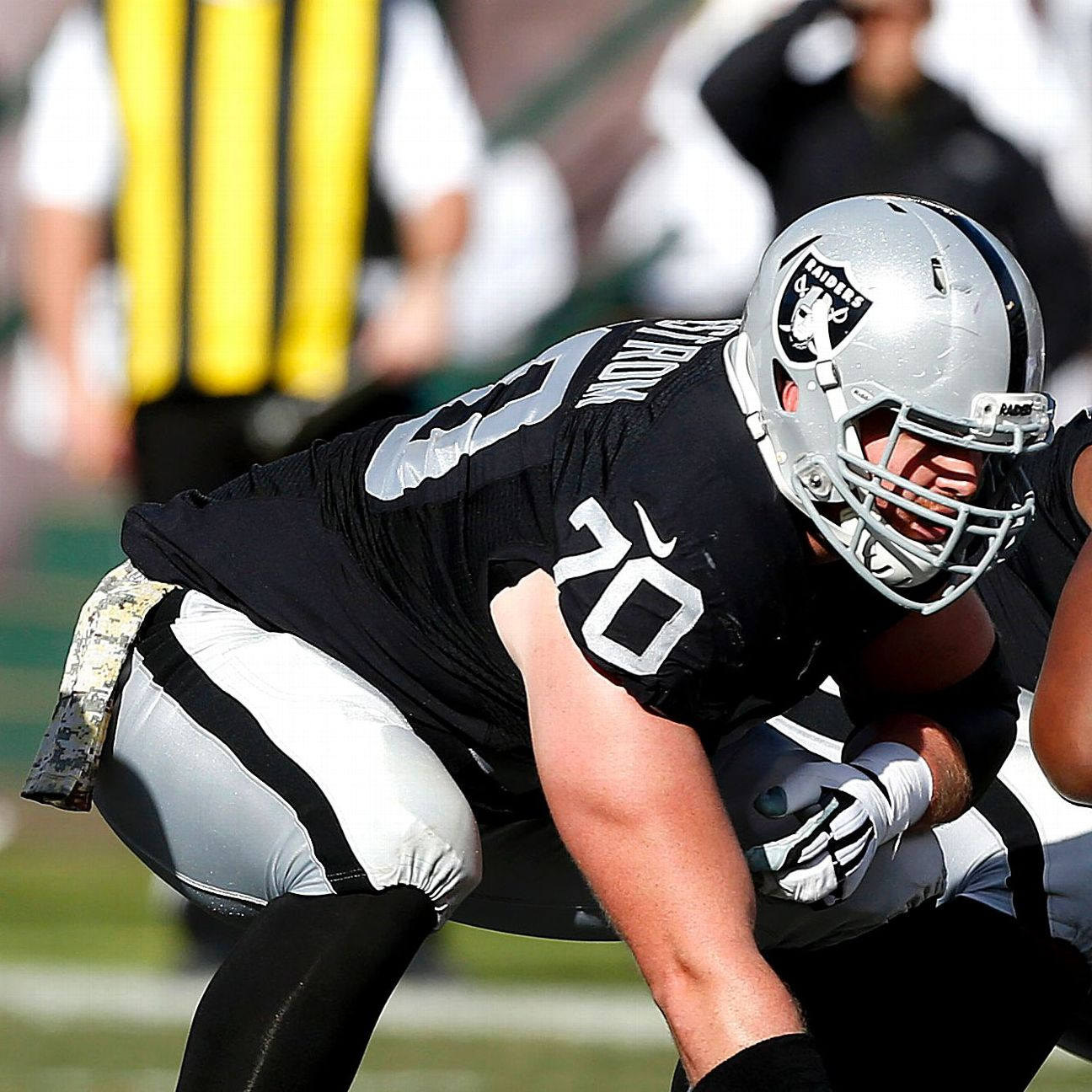 With Rodney Hudson sidelined, Tony Bergstrom remains Raiders&ap…