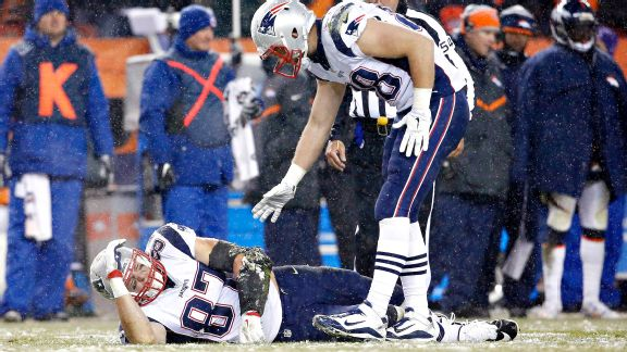 Patriots lose game to Broncos, maybe more with Rob Gronkowski injury