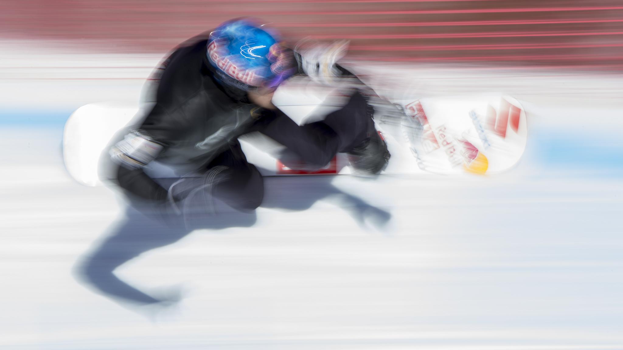 Men's Snowboarder X practice