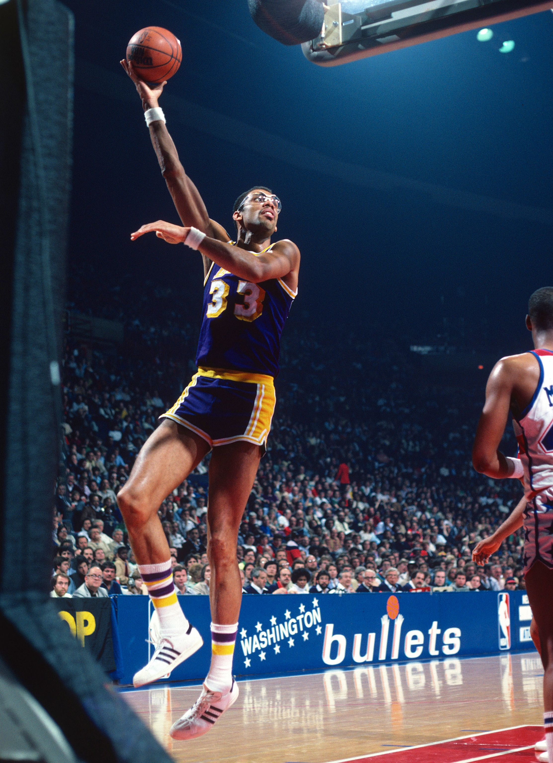2. Kareem Abdul-Jabbar - Photos: 10 greatest NBA players ...