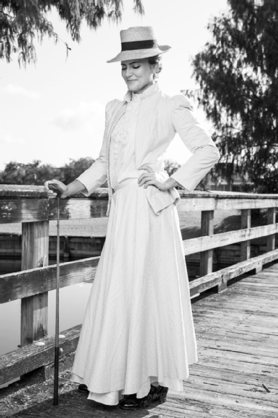 In a nod to 1904, the last year that golf was in the Olympics, Lexi Thompson dressed up as an early-1900s golfer for a recent Red Bull ad campaign.