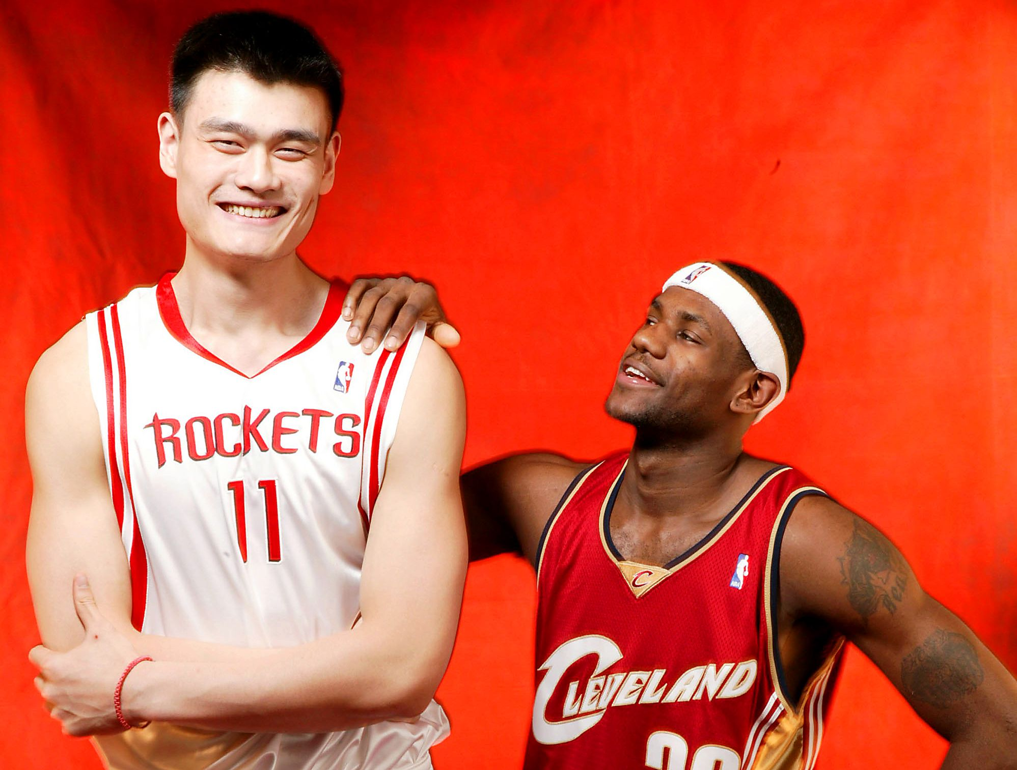 Yao Ming Lebron James Yao Ming A Hall Of Fame Photo