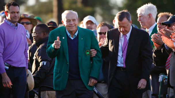 Arnold Palmer arrives at the ceremonial tee shot