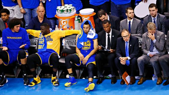 Warriors finally lose consecutive games, on brink of elimination