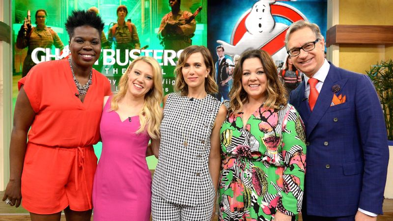 Leslie Jones,Kate McKinnon,Kristen Wiig,Melissa McCarthy and Paul Feig