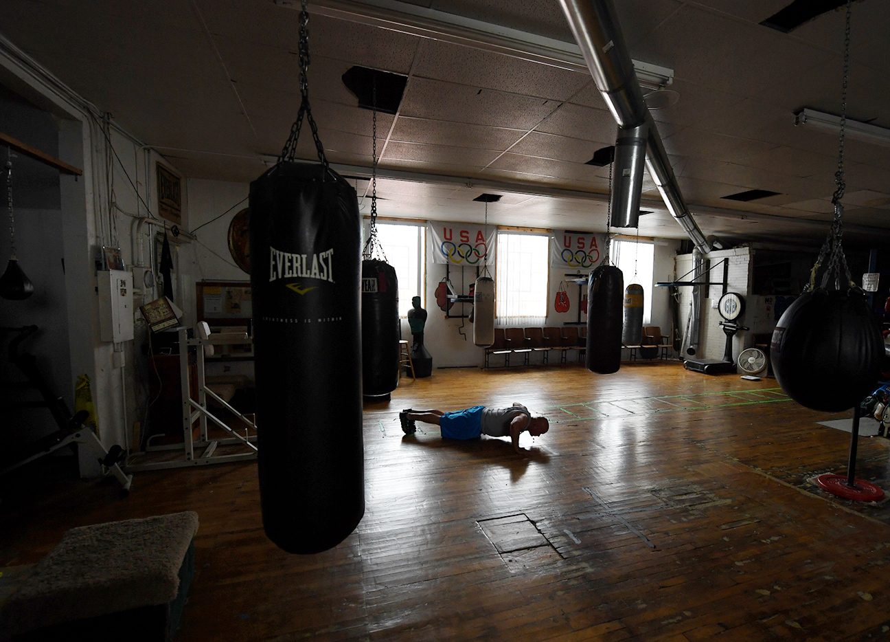 empty boxing gym - photo #7