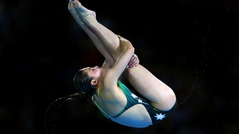 Very sexy body mature ala does acrobatics