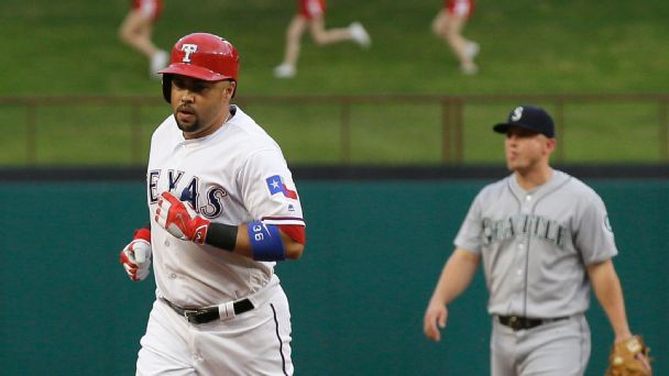 Watch live: Beltran's blast gives Rangers lead