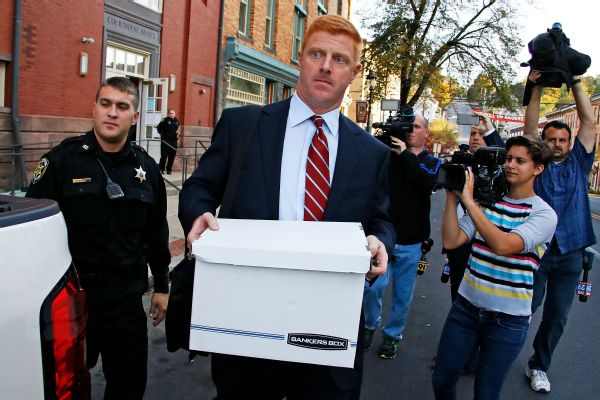 Jury rules in favor of Mike McQueary