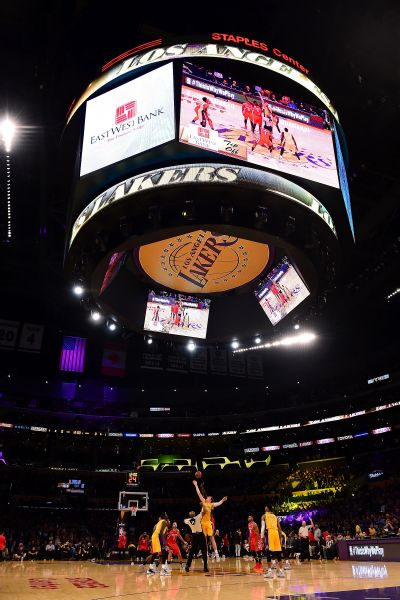 Staples Center tipoff Lakers-Rockets