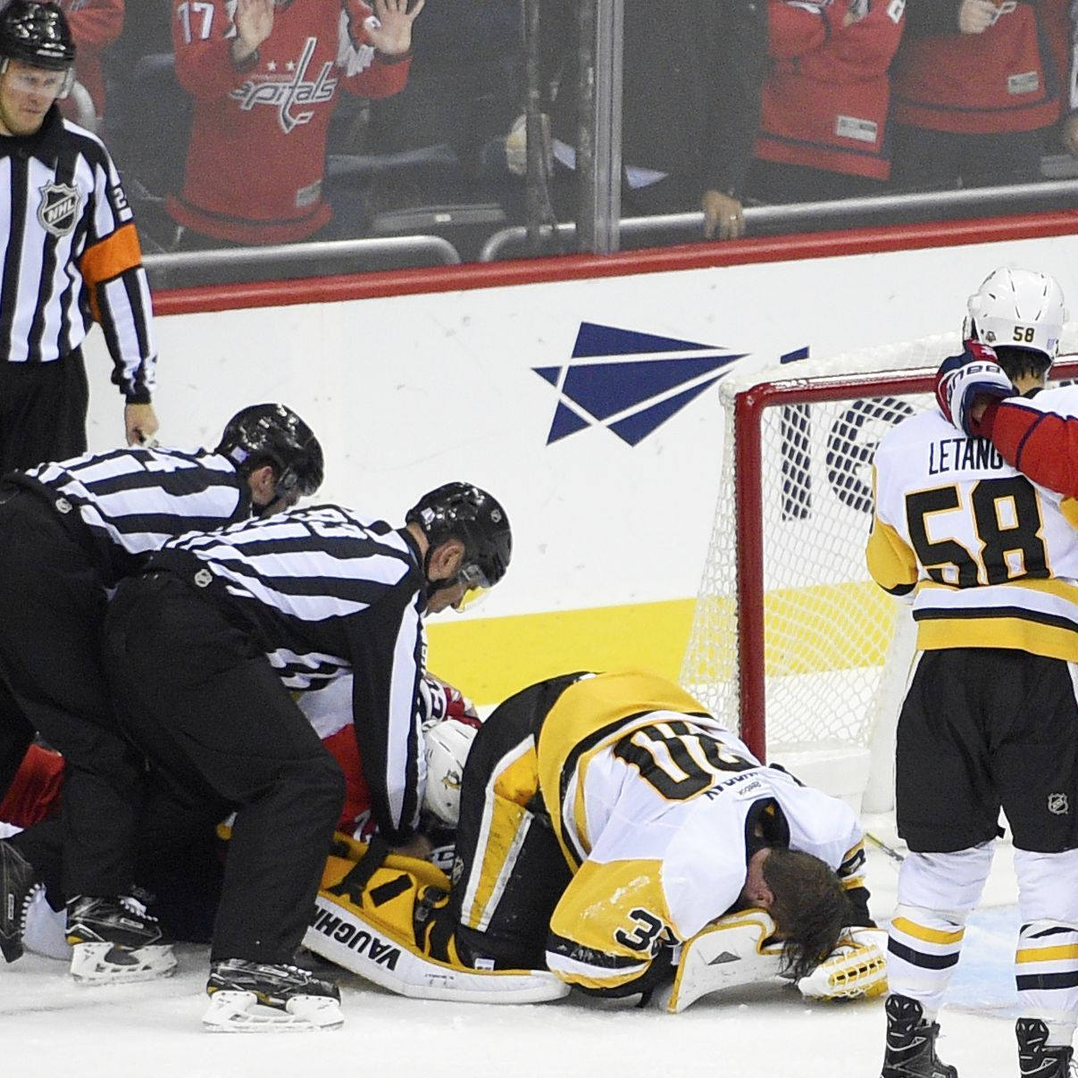 Pens' Murray OK After Exiting Due To Hit To Head
