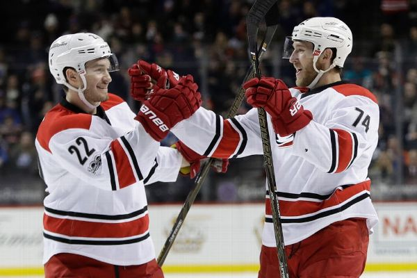 Hurricanes, Pesce agree to six-year extension