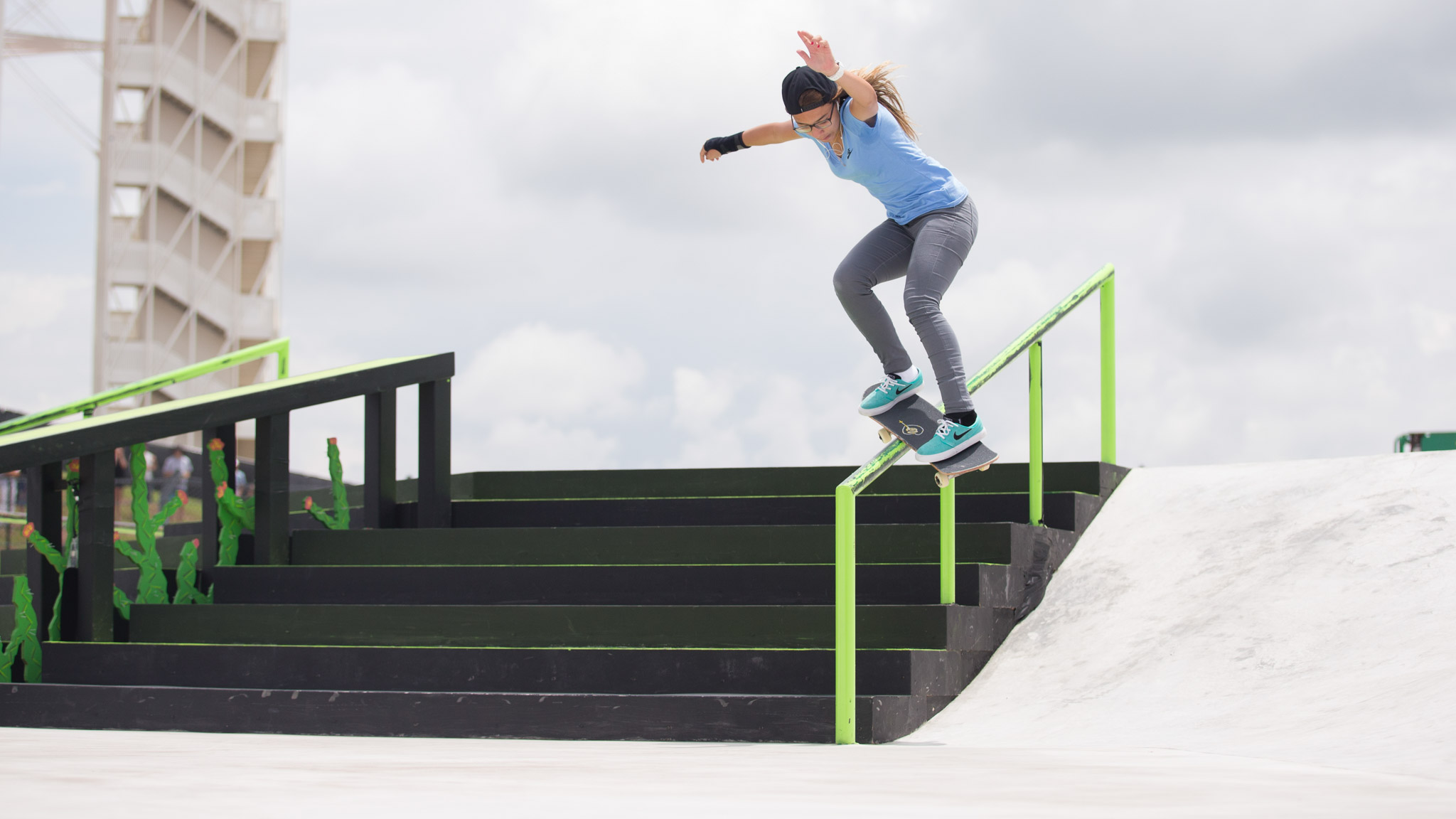 Women's Skateboard Street: Pamela Rosa