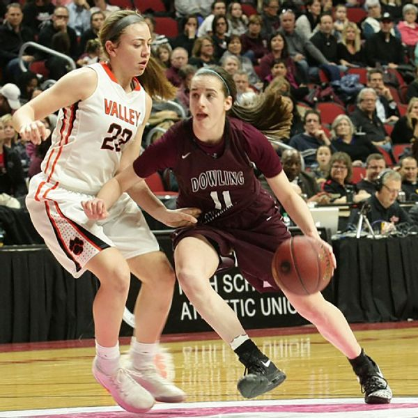 As a freshman, Caitlin Clark averaged 15.3 points, 4.7 assists and 2.3 steals for Dowling Catholic.