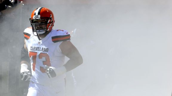 Left tackle Joe Thomas #73 of the Cleveland Browns