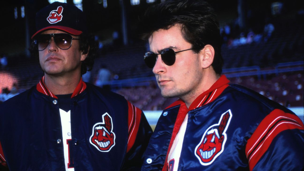 Charlie Sheen y Tom Berenger en Major League