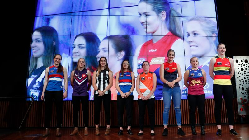 Isabel Huntington, Stephanie Cain, Chloe Molloy, Monique Conti, Jodie Hicks, Eden Zanker, Jordan Zanchetta and Jessica Allan at the 2017 AFLW draft.