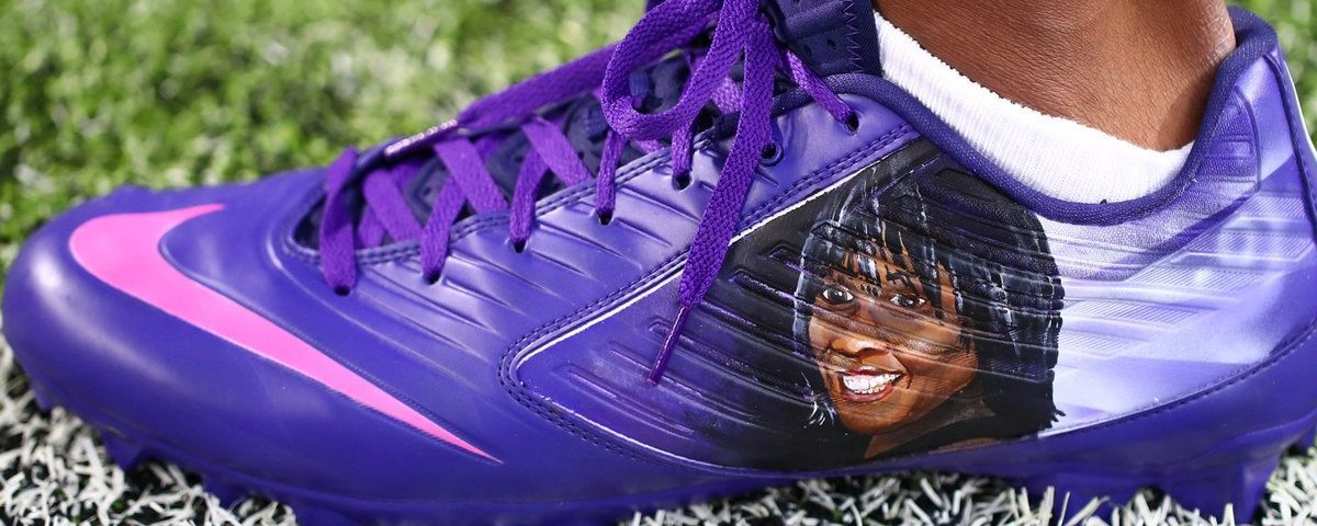 Everson Griffen cleats