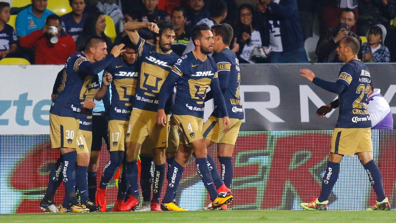 Pumas celebra vs. Monarcas