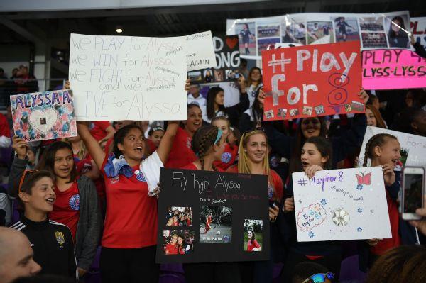 Alyssa Alhadeff teammates