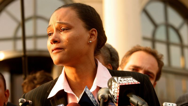 Marion Jones speaks to the media outside a United States federal courthouse October 5, 2007.