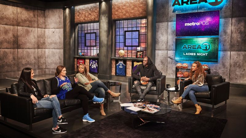 Kevin Garnett's Area 21 hosted a Ladies' Night in November featuring former and current WNBA stars, including Sue Bird and Lindsay Whalen. Garnett often features women athletes on his show.
