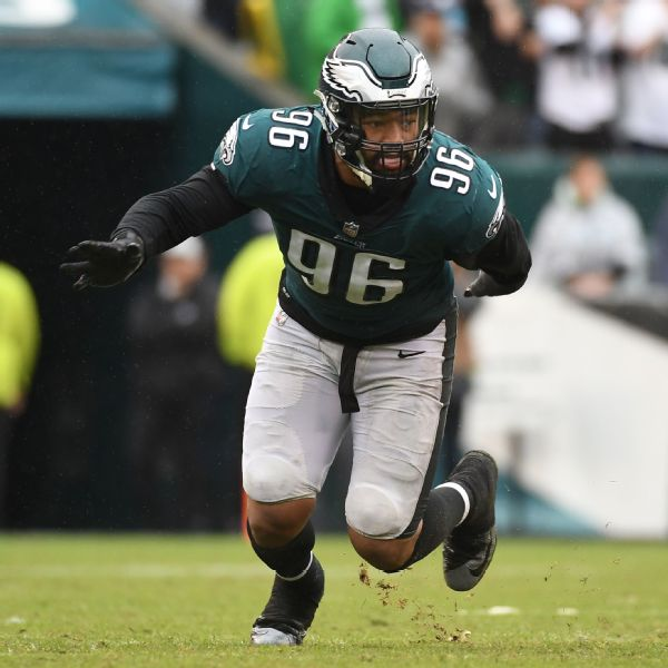 5a97e992f90 Eagles defensive end Derek Barnett has 2.5 sacks and 14 quarterback hurries  over six games this