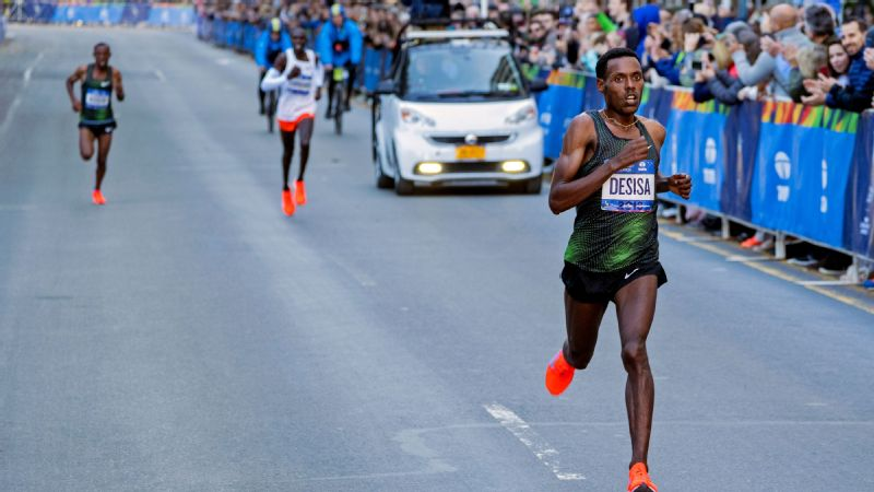 After two thirds and a second in previous New York City marathons, Ethiopia's Lelisa Desisa ran away from Shura Kitata and Geoffrey Kamworor in the closing stages to finally get his win in 2018.