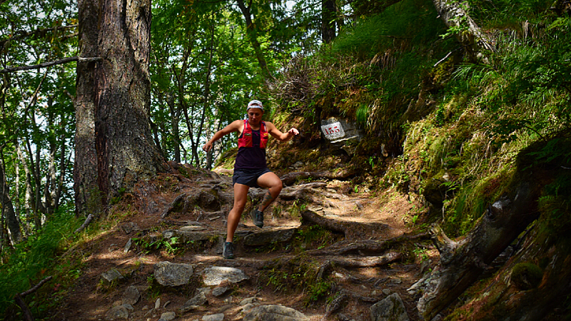 Annie Weiss, a registered dietitian, skips the gels that ultrarunners typically eat during races and instead consumes Twinkies, white bread -- and even hamburgers.