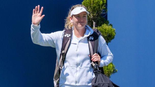 Coco Vandeweghe could barely bring herself to watch tennis after a rare condition sidelined her most of the year. Now, she's slowly getting back into the swing of things.
