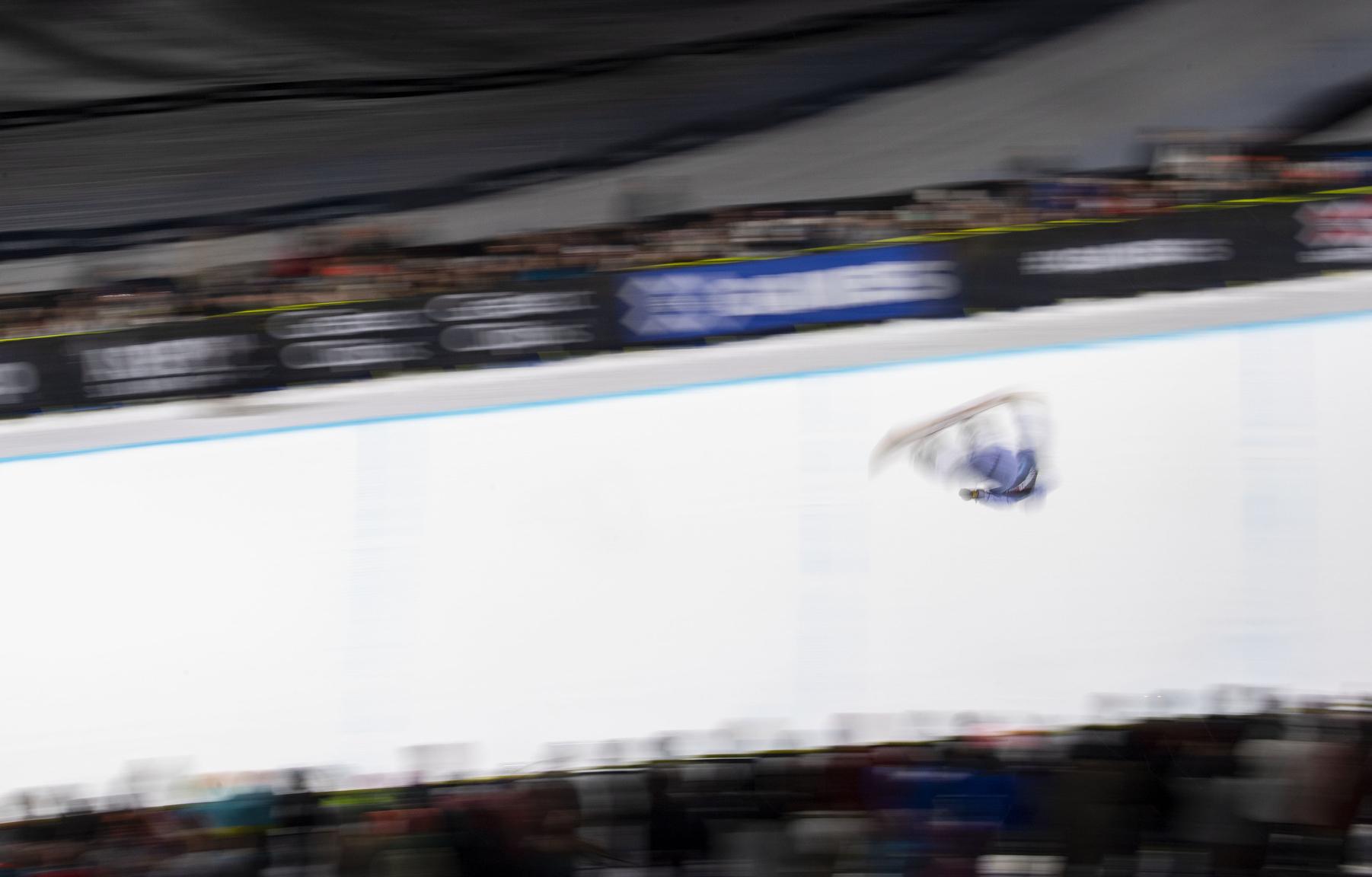 Danny Davis, M Snowboard Superpipe Elims