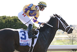Stately Victor wins the Toyota Blue Grass Stakes
