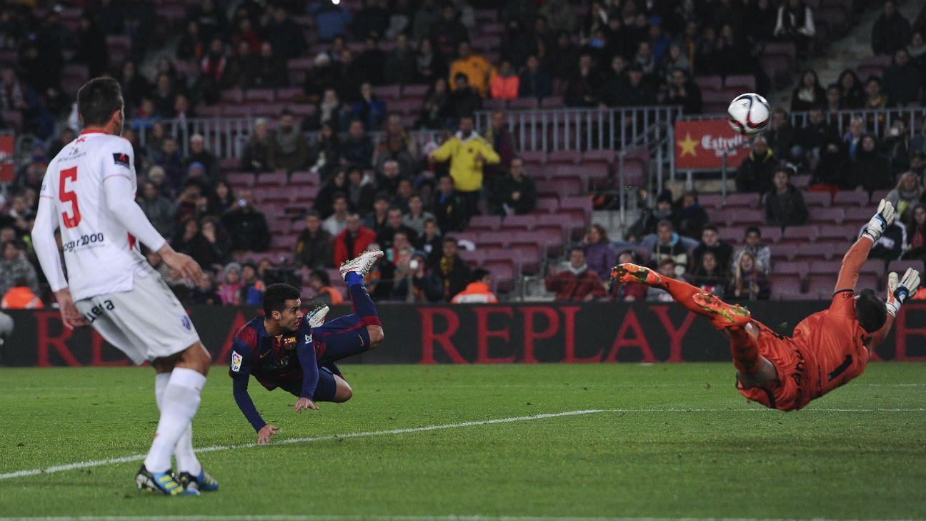 Copa del Rey: Barca score eight goals vs. Huesca, Valencia ...